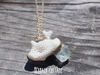 *14kgf*3月誕生石☆珊瑚とアクアマリン原石の金継ぎネックレスの画像