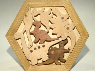 木のパズル やさしい 恐竜たち いろんな木を集めての画像