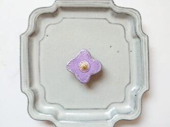 小花17(ライトパープル) 陶土ブローチの画像