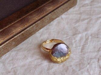 月と真珠の指輪 -B- 本金箔/真鍮 k16gp フリーサイズリング r-92-5の画像