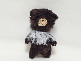 小さな小さな編みぐるみベア(焦げ茶色)の画像