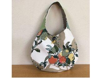 ワンハンドルバッグ たまご型バッグ りんごの木の画像