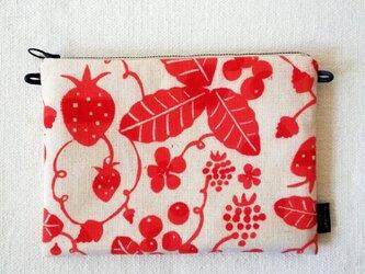 型染め サコッシュポーチM「苺の庭」の画像