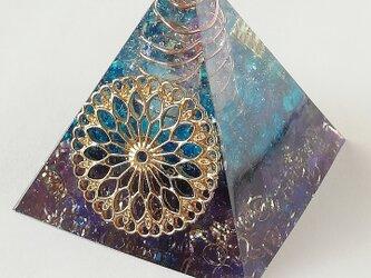 ピラミッド型オルゴナイト☆マンダラ☆ブルーの画像