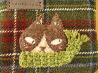 M様ご予約品 猫の(モスグリーン マフラー)のカードケースの画像