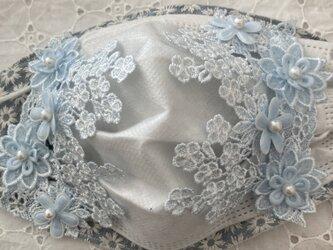 不織布が見えるマスクカバーブルーマーガレット刺繍豪華ケミカルフラワーレース2wayの画像