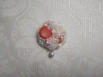 #42 刺繍ブローチ 桜の園Ⅱの画像