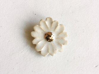 陶ブローチ Flowers:Whの画像