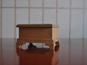 ミズ楢縮み杢蝶番付き小箱の画像