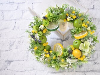 シトラスと青りんごのフレッシュリース:母の日 レモン りんご 黄色 グリーン の画像
