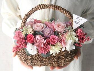 [誕生日プレゼント・結婚祝い・ご両親贈呈品}Flowerbasket Purple carnation -pink-の画像