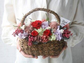 [誕生日プレゼント・結婚祝い・ご両親贈呈品} Flower basket redroseの画像