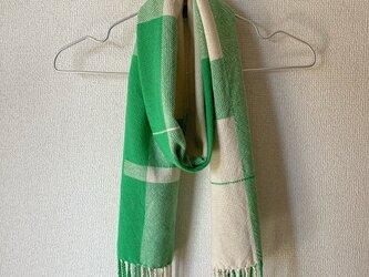 手織りのストールの画像