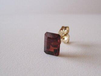 ガーネットのルースピアス 14kgf 片耳の画像