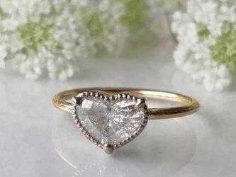 大粒ハートシェイプダイヤモンドリングの画像