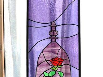 送料無料 美女と野獣 モチーフの薔薇 ステンドグラスパネル 窓 ドア 壁 用 オーダーの画像