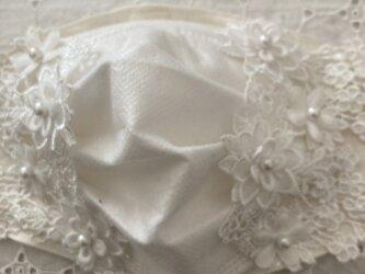 不織布が見えるマスクカバーフラワーレース薔薇ブルーの画像