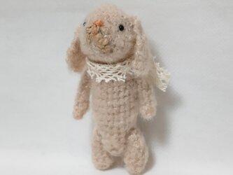 小さな編みぐるみ ウサギの画像