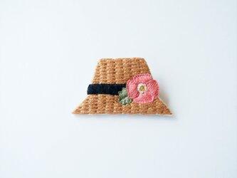 [受注制作]麦わら帽子の刺繍ブローチ(poppy)の画像