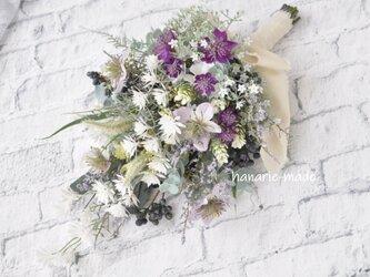 スワッグ【H】パープルのニゲラとアストランティア スワッグ:むらさき 白 ラベンダー色 花 ユーカリ ナチュラル の画像
