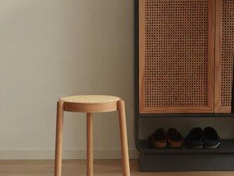 受注生産 職人手作り スツール 丸椅子 椅子 チェア ラタン編み 家具 天然木 無垢材 木目 木工 エコ LR2018の画像