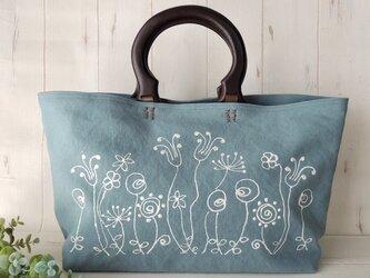国産帆布のウッドハンドルトートバッグ *ローズガーデン*グレイッシュブルー* 受注製作の画像