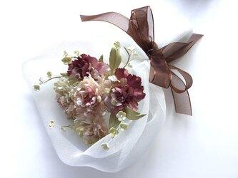 カーネーションの花束(布花)の画像