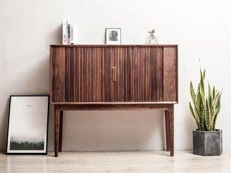 受注生産 職人手作り キャビネット シェルフ 収納棚 北欧家具 天然木 木目 ウォールナット 無垢材 エコ LR2018の画像