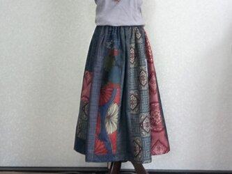 着物リメイク♪色々な大島紬をランダムにパッチしたお洒落なスカート(裏地付き)丈80cmの画像