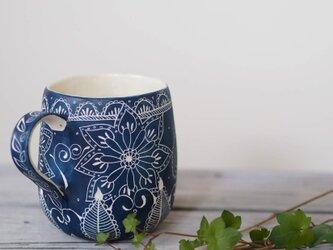 青いマグカップ5の画像
