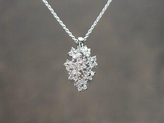 PT950 ダイヤモンドのブーケぺンダントの画像