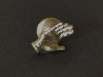 ピンブローチ handの画像