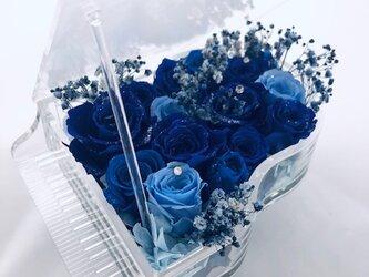 【プリザーブドフラワー/グランドピアノシリーズ】青い薔薇の祝福と奇跡の画像