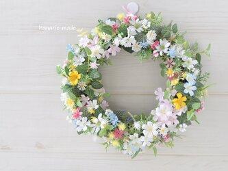 姉妹編 ちいさな花々を 編むように リース:母の日フラワー 母の日 ウェディング ピンク 白 黄色 ブルーの画像