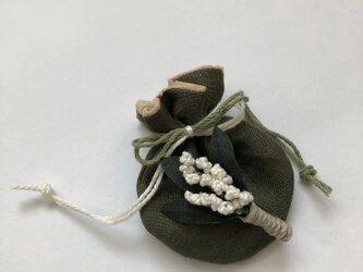 小さなたからもの袋 と ブローチ 4の画像
