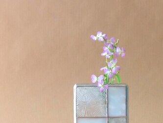 ガラスブロックの一輪挿し【g】の画像