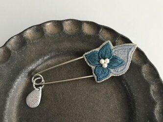 紫陽花 刺繍ストールピン(グリーン)《受注制作》の画像