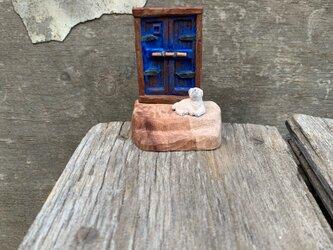 old door(青い)の画像