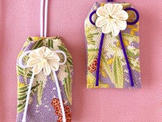 (藤笹)元巫女が作る花のお守り袋の画像