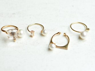 different pearls ringの画像