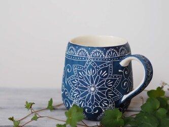 青いマグカップ4の画像
