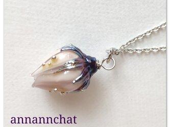 【 ヨーロッパ製 薔薇(バラ)ランプワーク ネックレス】ペールローズ 紫の画像