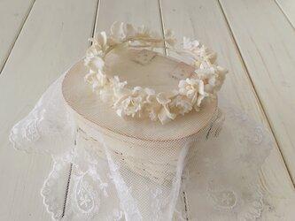 ドール用染め花の花冠(M・オフホワイト)の画像