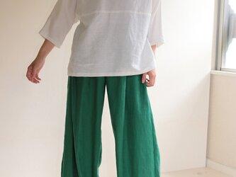 リネンのグリーンワイドパンツの画像