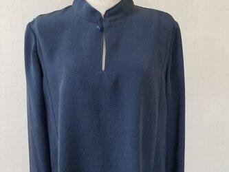着物リメイク マオカラーブラウスの画像