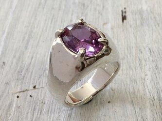 """""""夢の様な紫色の合成コランダムが煌めく一点物リング""""silver925の画像"""