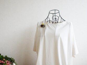 どんなお洋服にも似合う!シンプルフォルム 3種類の麻のブローチ〈 Dots 〉くりの画像