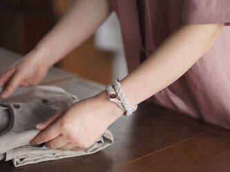 【wafu】三編み ブレスレット 男女兼用 リネン100% アクセサリー/ホワイト z025a-wht2の画像
