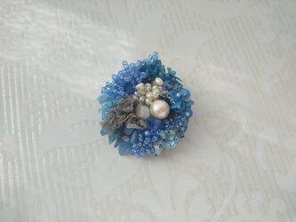 #56  刺繍ブローチ 花束 ブルーの画像