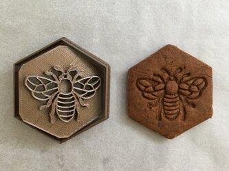蜜蜂 クッキー 型の画像